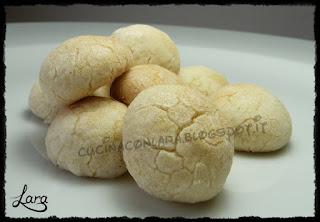 http://cucinaconlara.blogspot.it/2017/12/biscotti-al-limone-integrali-senza-burro.html