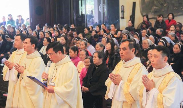 Lễ truyền chức Phó tế và Linh mục tại Giáo phận Lạng Sơn Cao Bằng 27.12.2017 - Ảnh minh hoạ 181