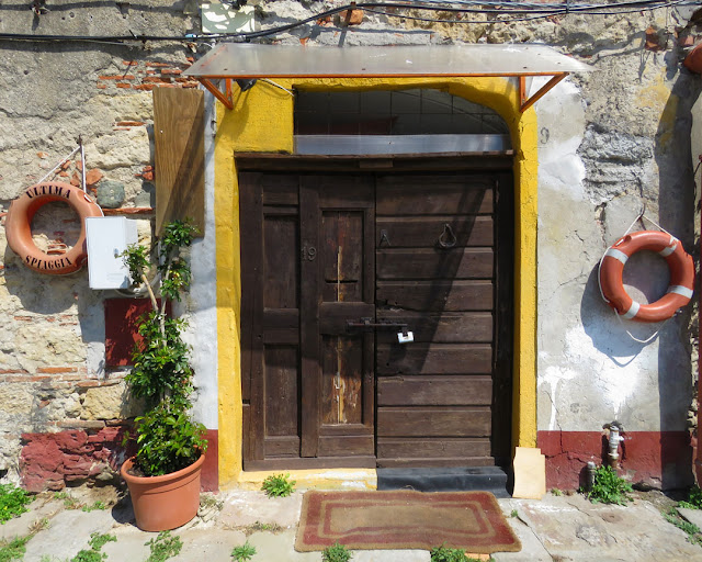 The door of a cantina, Scali delle Cantine, Livorno