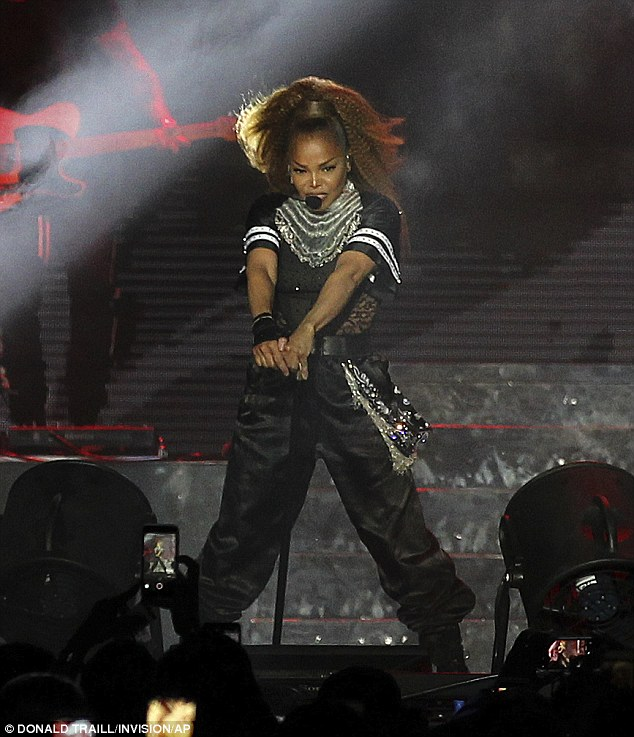 Janet Jackson wows during powerhouse 2018 Essence Music Festival performance