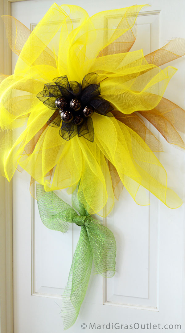 Party Ideas by Mardi Gras Outlet: Easy DIY Deco Mesh ...