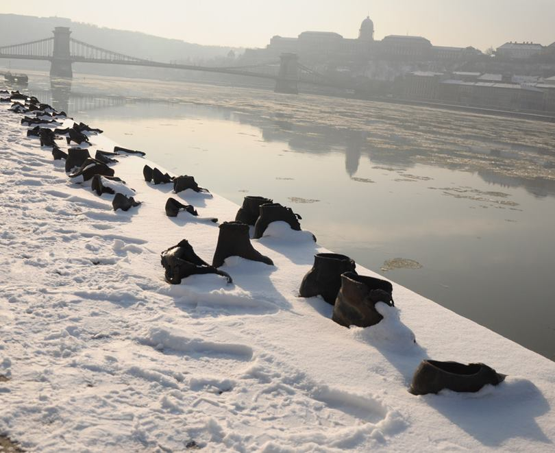 shoes on the danube, jewish shoes, budapest shoes, shoes in budapest, shoes budapest, the shoes on the danube bank, shoes on the danube bank