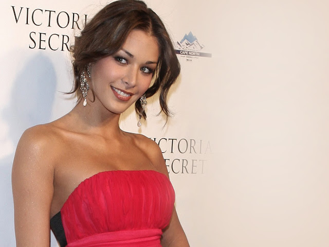 hot miss universe images, Miss universe short bio and pics