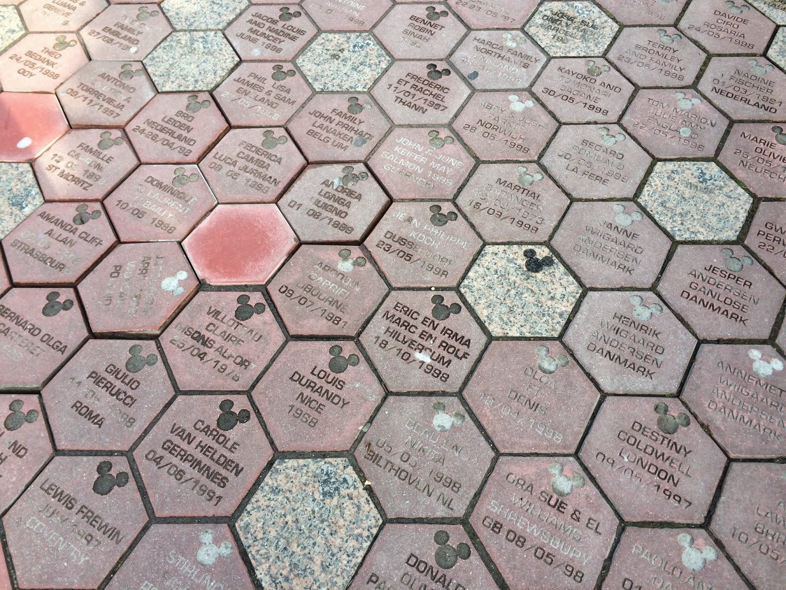 disneyland-paris-paving-stones