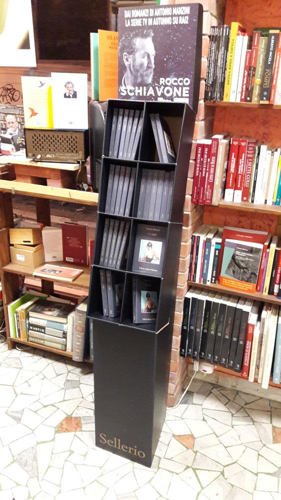 La Libreria Il Mattone promuove Manzini, Sellerio