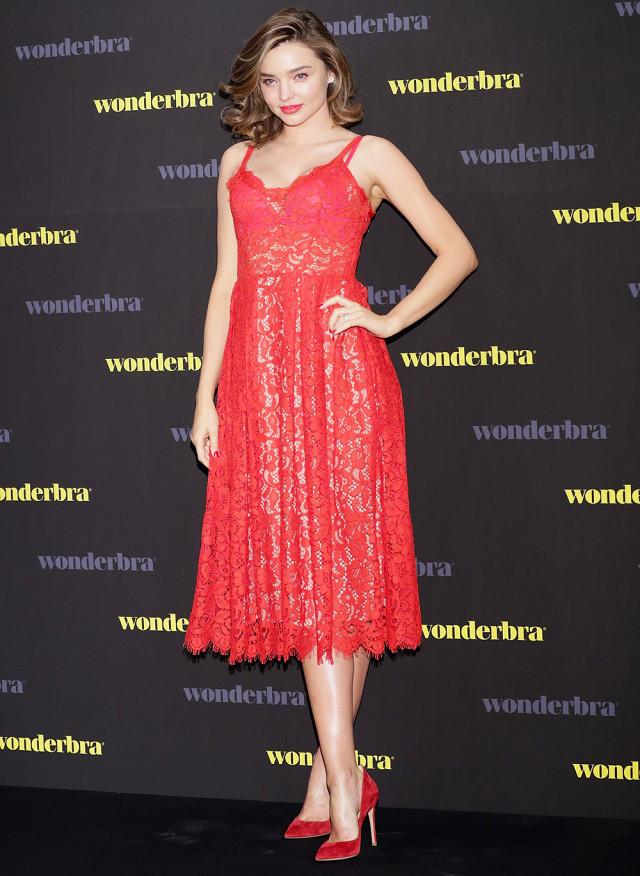 Miranda Kerr flaunts $75 H&M dress on the red carpet