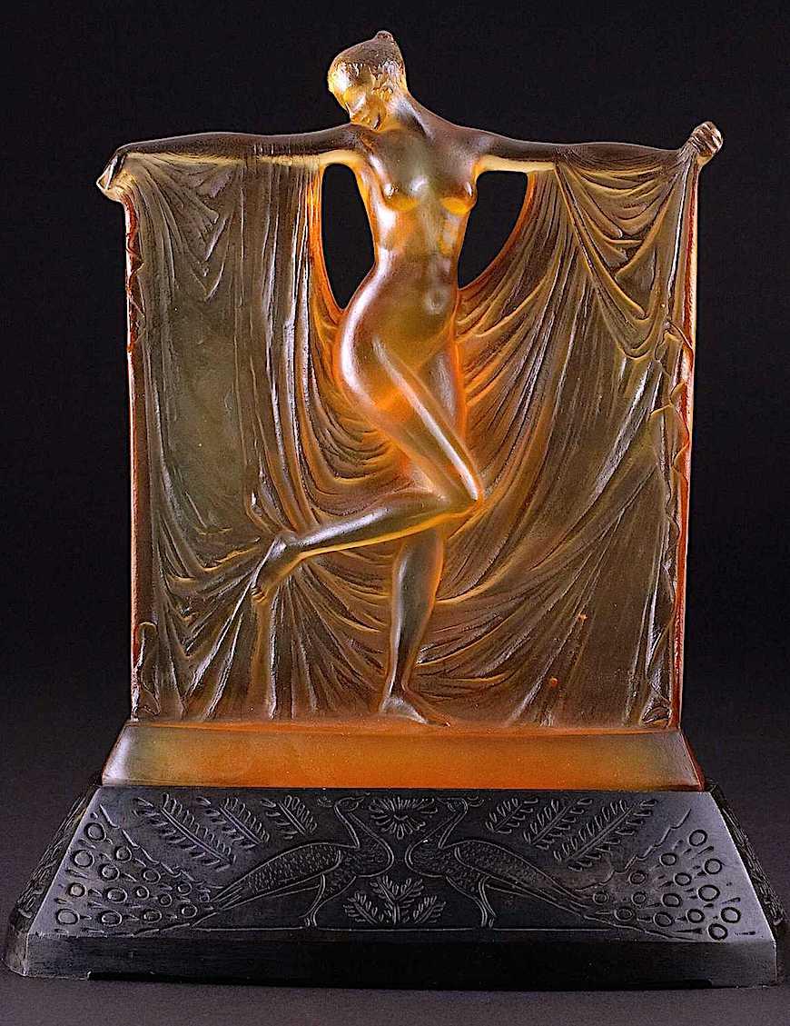 Lalique 1925 anber art glass lamp, a color photograph