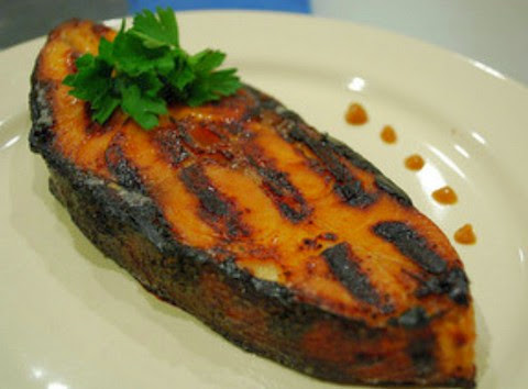 Aromatic and spicy grilled king fish fillet