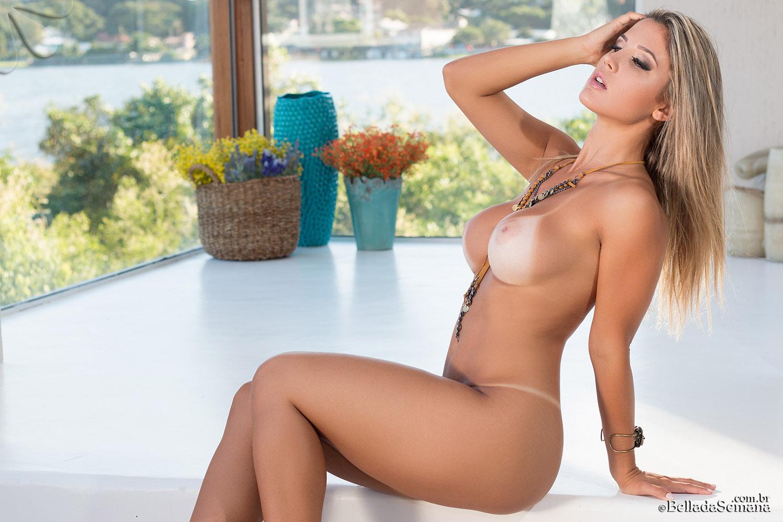 image Nicki minaj twerking en tanga