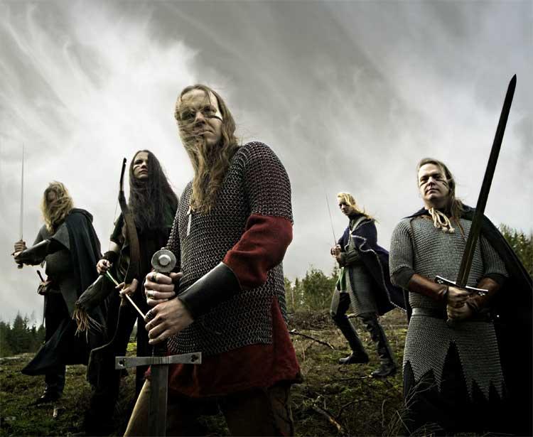 725ddd5636 Az Ensiferum neve latinul kardhozót jelent - keresve sem lehetett volna  jobb elnevezést találni egy olyan zenekarnak, mely saját meghatározása  szerint harci ...