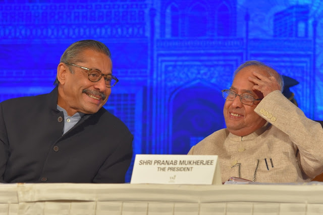 Dr.Naresh Trehan in conversation with Honourable President of India Shri Pranab Mukherjee at International Coronary Congress 2016, Taj Palace.