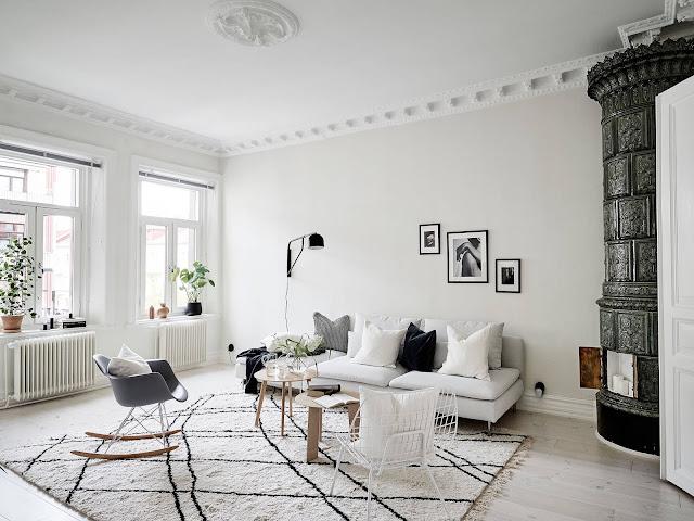 Alb și accente de negru într-un apartament de 80 m²