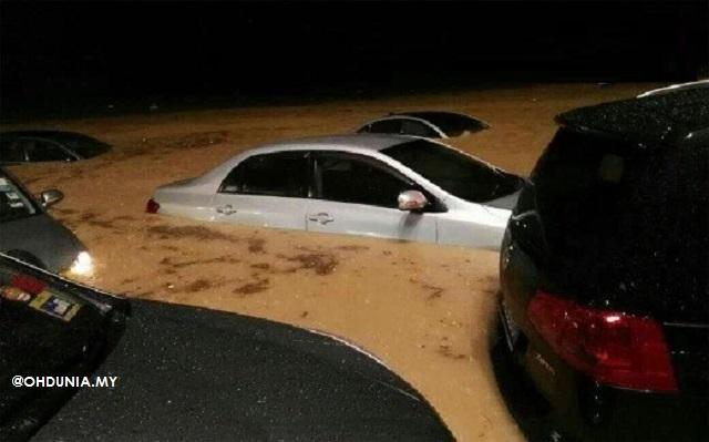 Banjir Kilat: 40 Kereta Terperangkap, Tenggelam Di Jalan Semantan