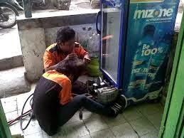 JASA SERVICE SHOWCASE SEMPER BARAT - CILINCING - JAKARTA UTARA