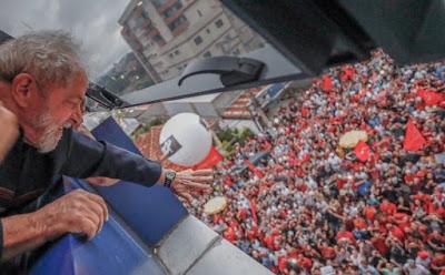 Lula e o povo, por Ricardo Stuckert