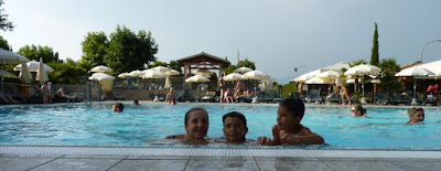 Piscina del camping del Lago di Garda.