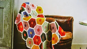 Manta multicolor con hexágonos