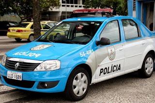 http://vnoticia.com.br/noticia/2435-policiais-atiram-por-engano-em-vigilante-de-banco-no-rio-de-janeiro