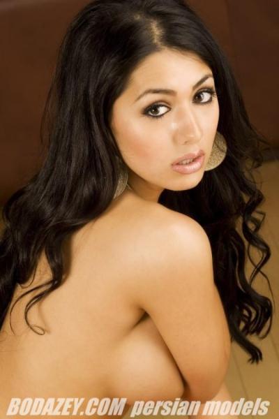 Persian Babes Nude Pics 33