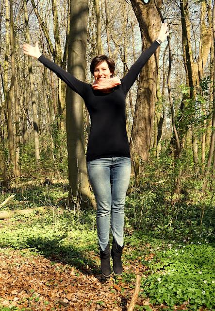 Glück in Worten und am Meer: Die Glückstrainerin Claudia Engel im Interview