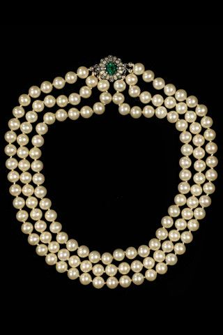 Jackie Kennedy, pearls, pearl necklace