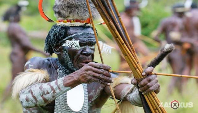 35 Nama Senjata Tradisional Indonesia Beserta Gambar, Asal Provinsi, dan Penjelasannya