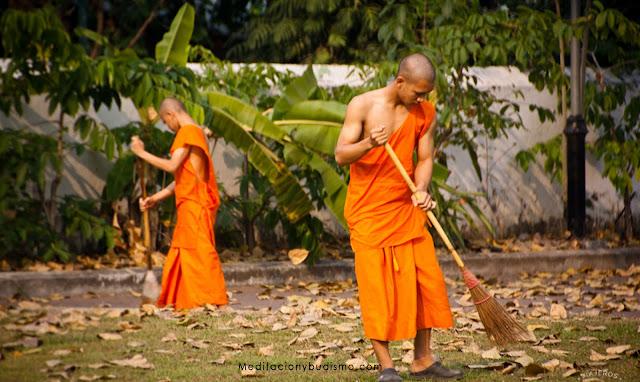 Consejos de un monje budista para deshacerte de cosas viejas