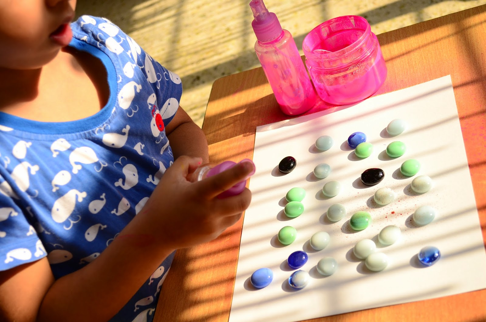 Kids Activity: Spray Painting for Pebble Silhouettes