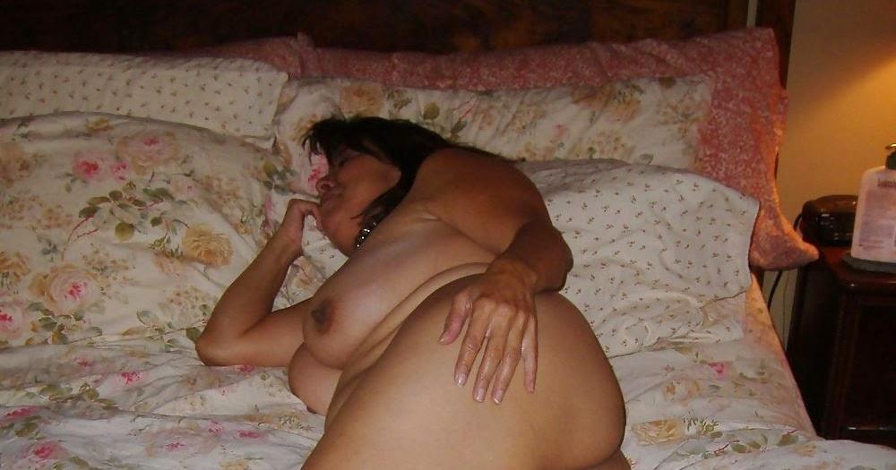 Ebony milf pussy pics