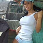 Andrea Rincon, Selena Spice Galeria 33: Gorra Azul, Cachetero Azul Foto 39