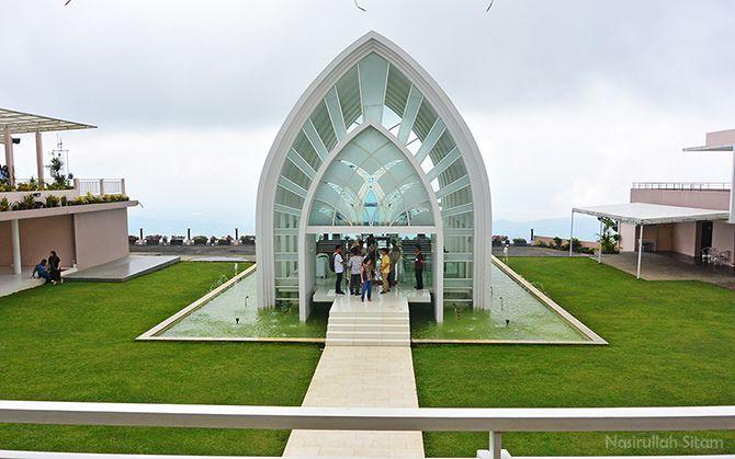 Sepertinya La Kana Chapel sedang dipakai untuk foto Pre Wedding