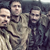 "Logan Lerman e Brad Pitt em filme ""Fury"""