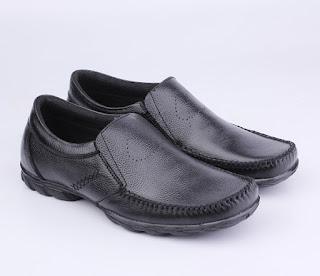 sepatu casual semi boots,sepatu casual formal trend 2017,grosir sepatu kerja pria,sepatu kerja online bandung,gambar sepatu casual semi formal