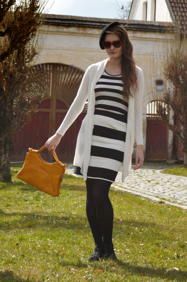 georgiana quaint, quaintrelle, paris, fashion blogger, personal style, prisoner, stripes, black white, vintage handbag, beret, lindex, H&M, heart shaped glasses