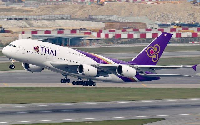 A380 Thai Airways During Airborne