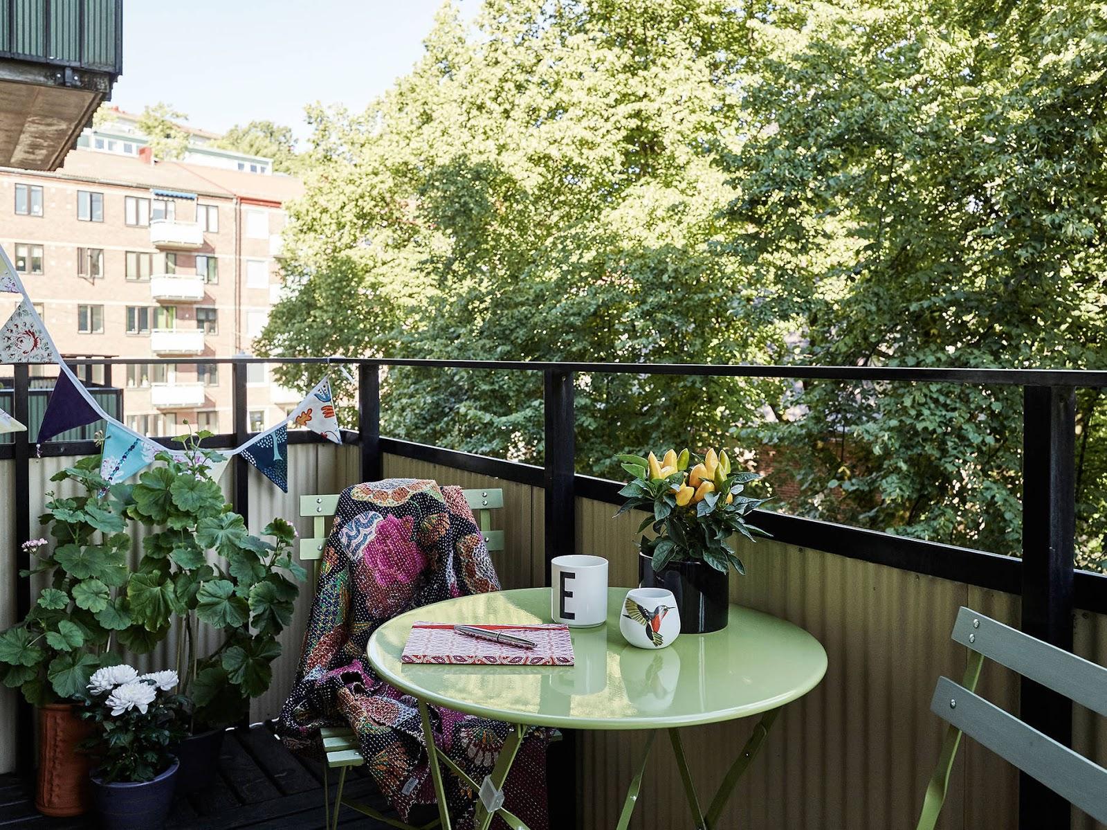 jak w tani sposób odmienić swój balkon?