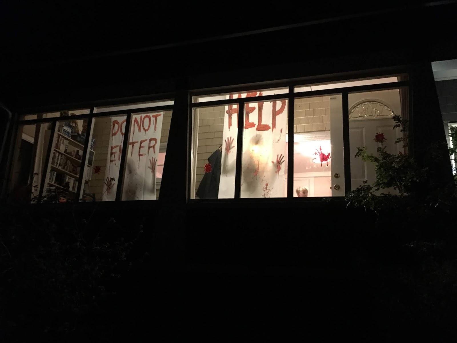 50056f6b2d7 Õhtul läksime kolmekesi naabertänavatele kommijahile. Meie lähedal ühel  tänaval on tore kogukond, kus kogu tänav pannakse päris pikalt igal aastal  ...