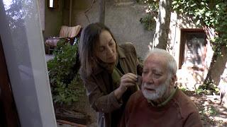 Pilar Dorado maquillando a Ramiro Tapia