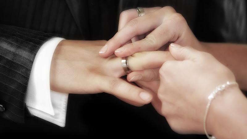 Love, Rings and Wedding HD