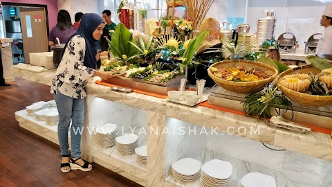 Lexis Suites Penang-Hot Wok Seafood Buffet Dinner