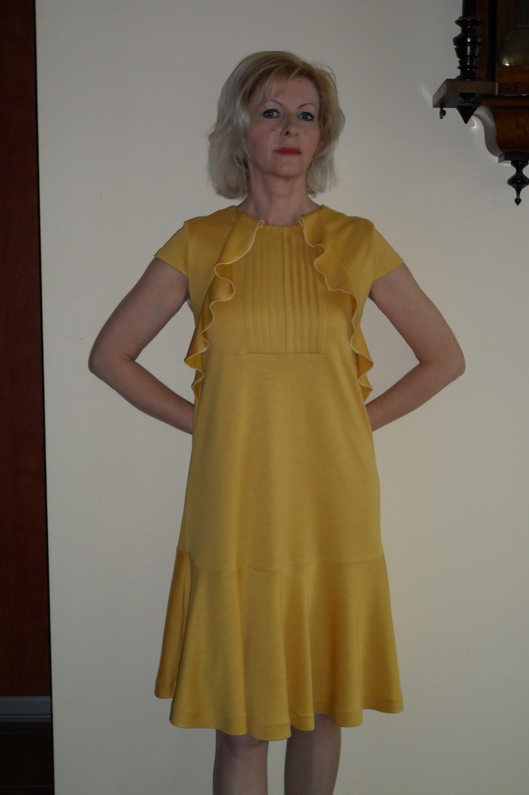 f32600ef11 Anetta Szyje  Miodowa sukienka