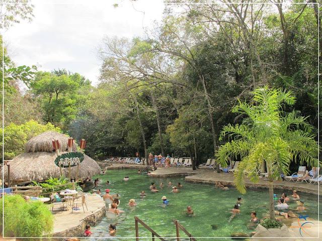 Piscinas exclusivas para hóspedes, no Parque das Fontes.