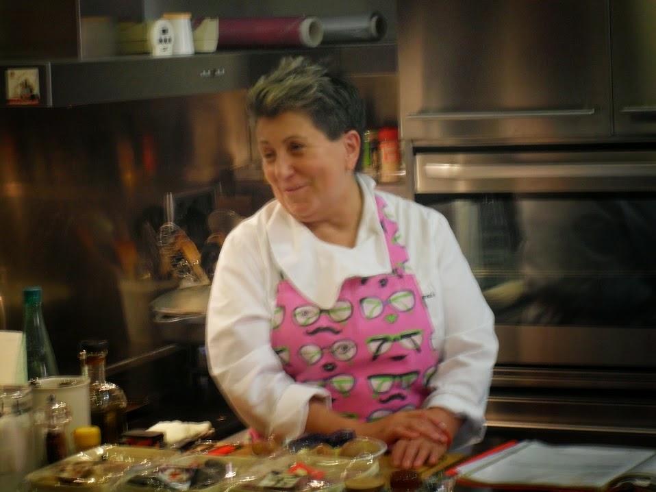 Montse Estruch en las clases de cocina.