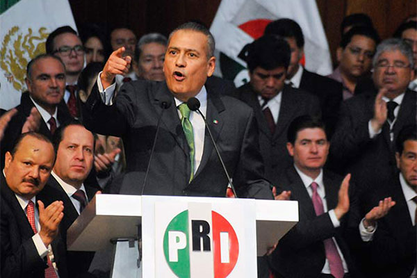 Diputados de PRI - Exigen respeto a su partido y que se les compruebe que han robado.