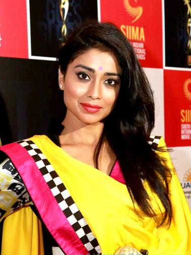 Balakrishna Announces Gautamiputra Satakarni Heroine