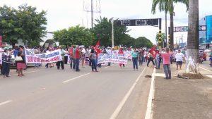 Em Ariquemes (RO), no Vale do Jamari, também houve protesto de diversas categorias na manhã desta segunda-feira contra a reforma da previdência. Os manifestantes saíram em passeata a partir das 9h.