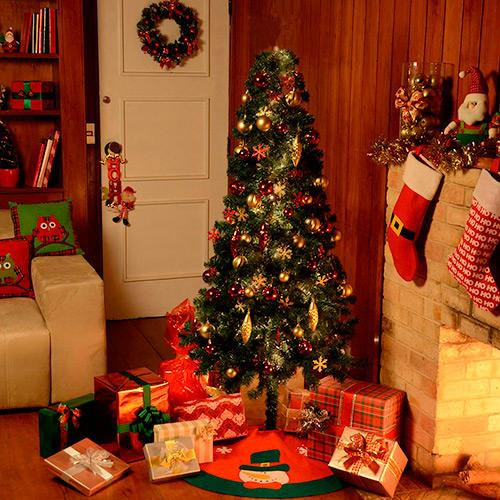 Natal é tempo de comemorações: Árvore tradicional decorada
