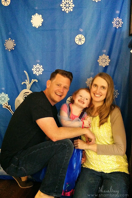 Olaf, photo backdrop, snowflakes