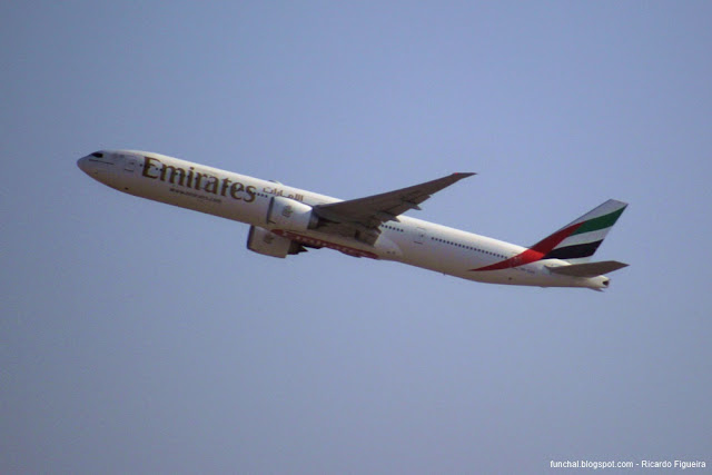 BOEING 777 - EMIRATES - AEROPORTO INTERNACIONAL DO DUBAI