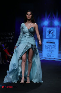 Sexy Legs and beautiful Cleavages of Amyra Dastur on Ramp for Designer Karn Malra at Lakme Fashion Week Summer 2017